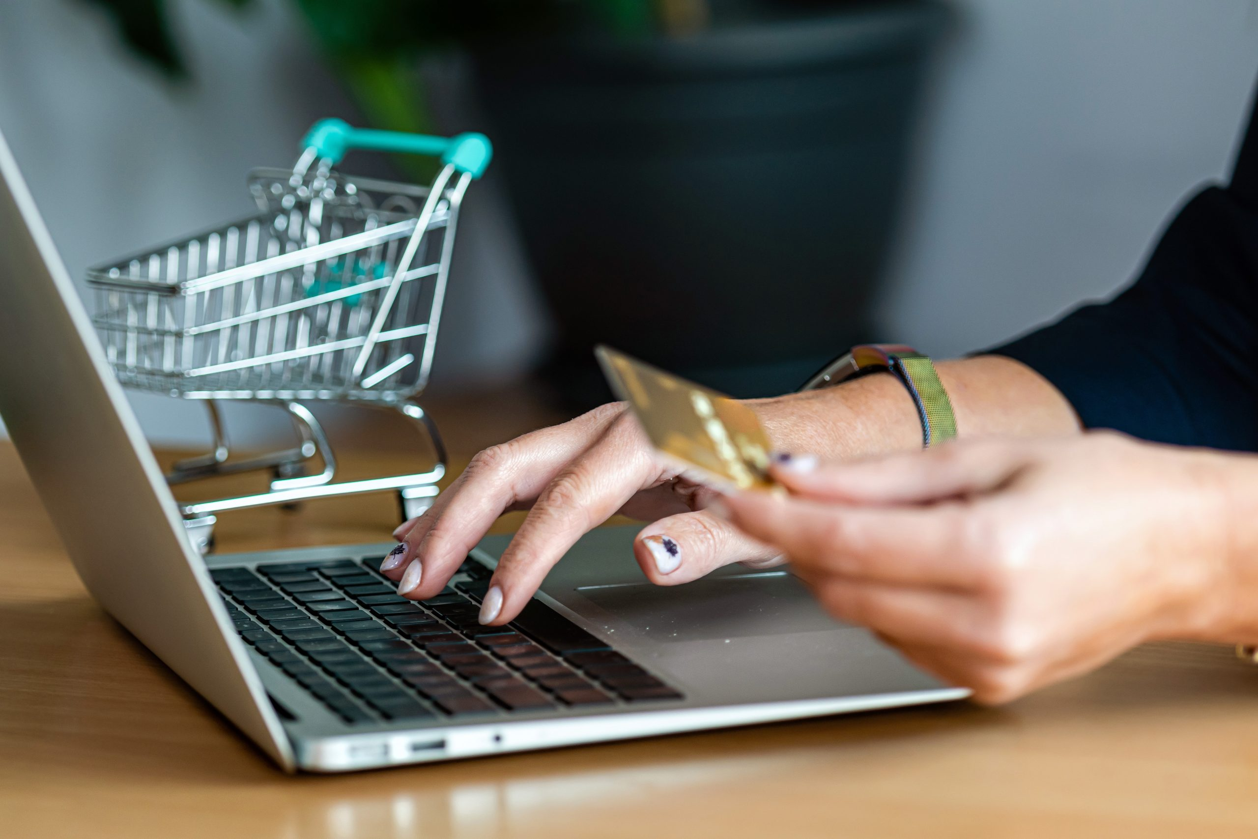 7 Best Ecommerce Platforms for Online Store in 2021